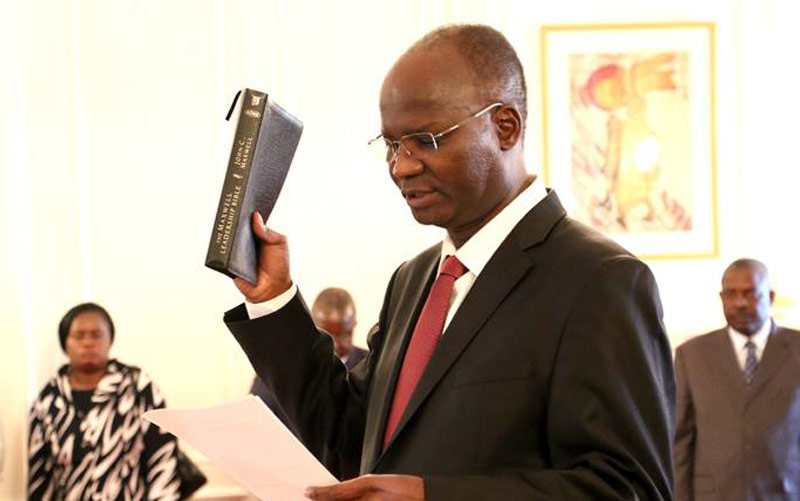 Cabinet Never Approved The Introduction Of The Bond, It Was ED Who Convinced Mugabe To Do So – Jonathan Moyo Threatens To Publish Cabinet Minutes